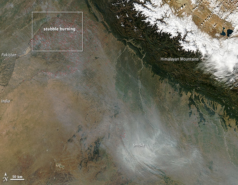 Aerial_view_of_Air_Pollution_in_North_India_Agriculture_Fires_November_2013_1000x776